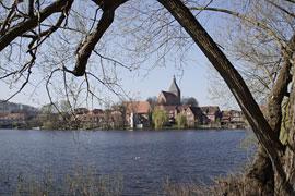 Blick über den Schulsee auf Mölln