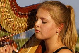 Jugend-Sinfonieorchester Ahrensburg - Julia von Grebmer - Harfe © TraveMedia