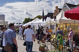 Kunsthandwerkermarkt in Lübeck-Travemünde