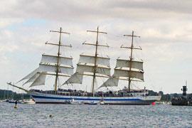 Segelschulschiff MIR in Lübeck-Travemünde