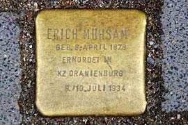 Stolperstein Erich Mühsam vor dem Buddenbrookhaus in Lübeck