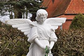 Engel auf dem Friedhof in Lübeck-Travemünde