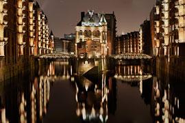 WASSERSCHLOSS Speicherstadt in Hamburg
