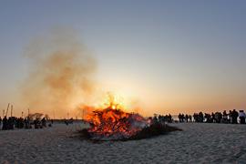 Osterfeuer in Niendorf an der Ostsee © Norbert Finkenbrink