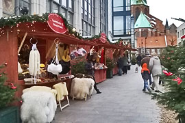 Weihnachtsmarkt auf dem Schrangen in Lübeck