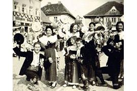 Ausstellungsfoto 65 Jahre Trachtenwoche im zeiTTor in Neustadt in Holstein