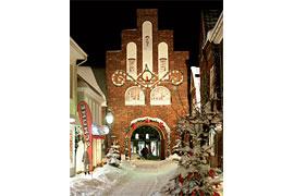 Riesen-Adventskalender Kremper Tor in Neustadt in Holstein
